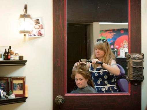 Rebecca Hecht styles Jennifer Moore's hair aqt Adorn