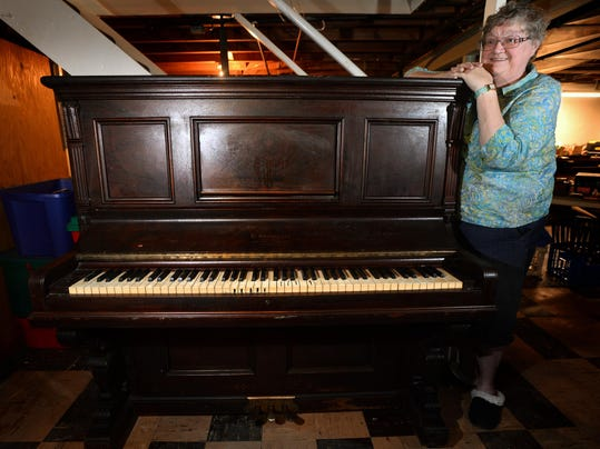 Judy putnam finding a home for old piano is heavy lift for Classic house piano