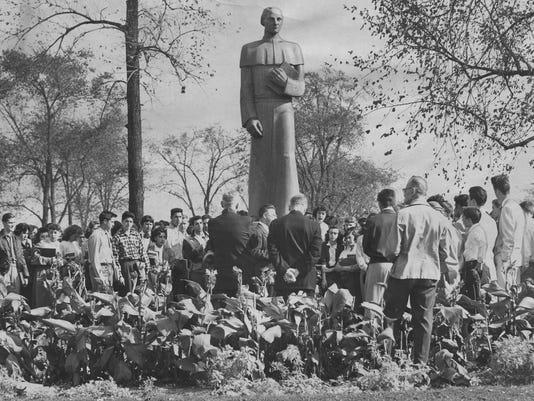 -detroit monuments gabriel richard 2 img278.jpg_20100621.jpg