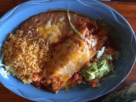 Cinco de Mayo's chile relleno was a poblano-packed heavenly delight. There was a thin layer of egg batter coating the fresh poblanos that were simply delicious.