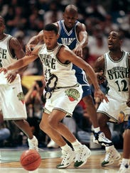 27 Mar 1999: William Avery #5 of Duke and Morris Peterson