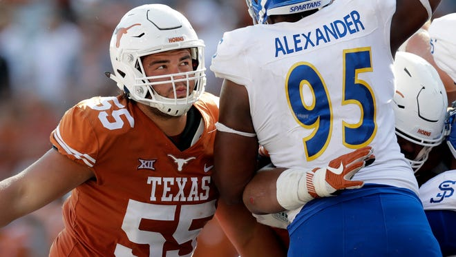 Texas offensive lineman Connor Williams blocks during the second half against San Jose State.