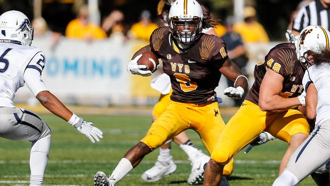 Wyoming running back Brian Hill is averaging 140,2 rushing yards a game, the sixth-best average in the nation.