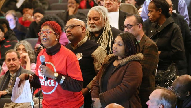 More than 700 people packed a listening session with the U.S. Department of Justice to give their perspective of the Milwaukee Police Department on Jan. 21, 2016.