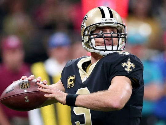 New Orleans Saints quarterback Drew Brees (9) drops back to pass in the first half of an NFL football game against the Washington Redskins in New Orleans, Sunday, Nov. 19, 2017. (AP Photo/Rusty Costanza)