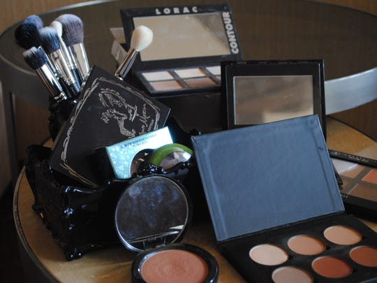 There are numerous products and brushes you can use to contour.