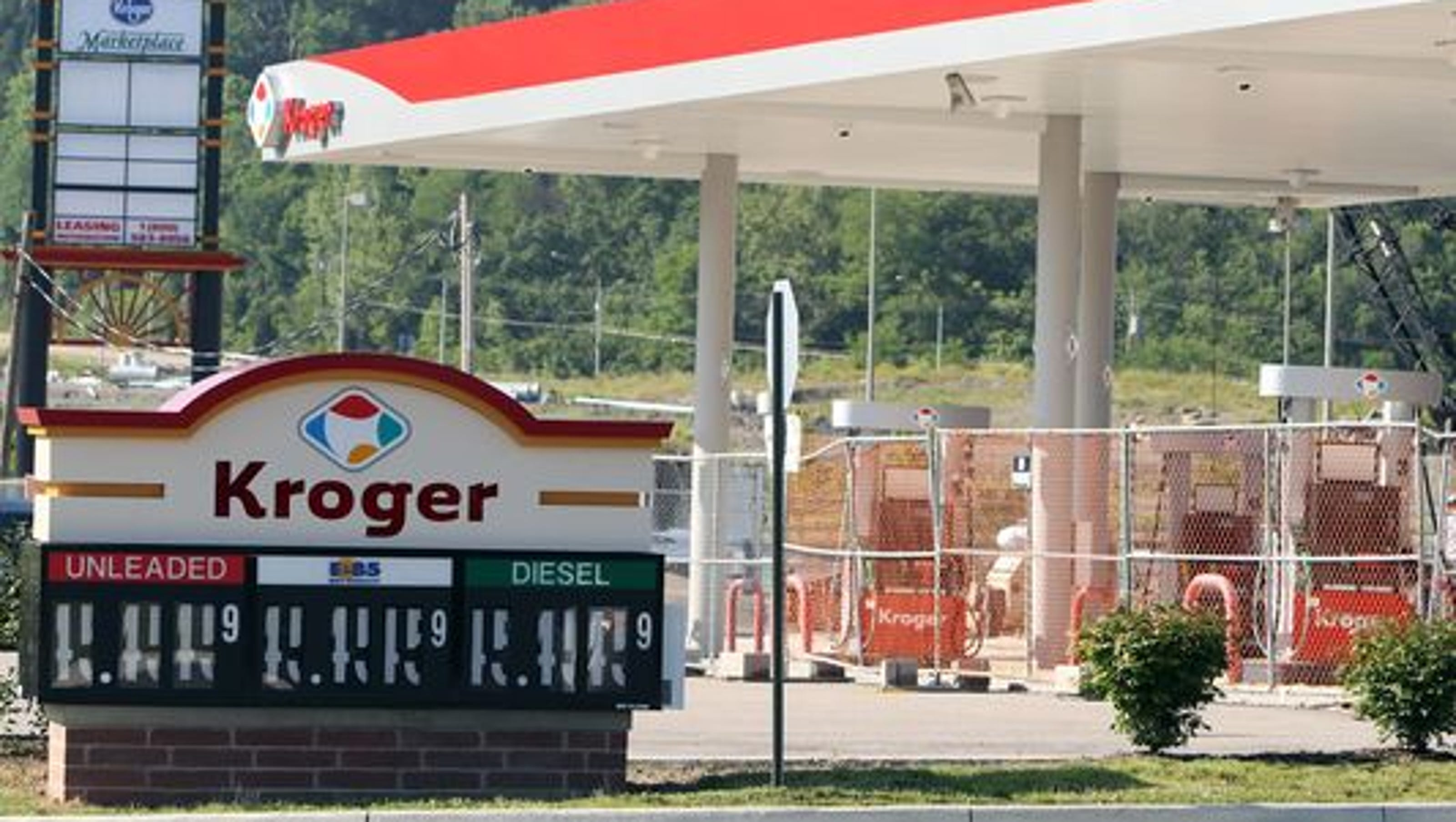 Kroger To Retrofit 1 000 Gas Stations With Energy Efficient Lights