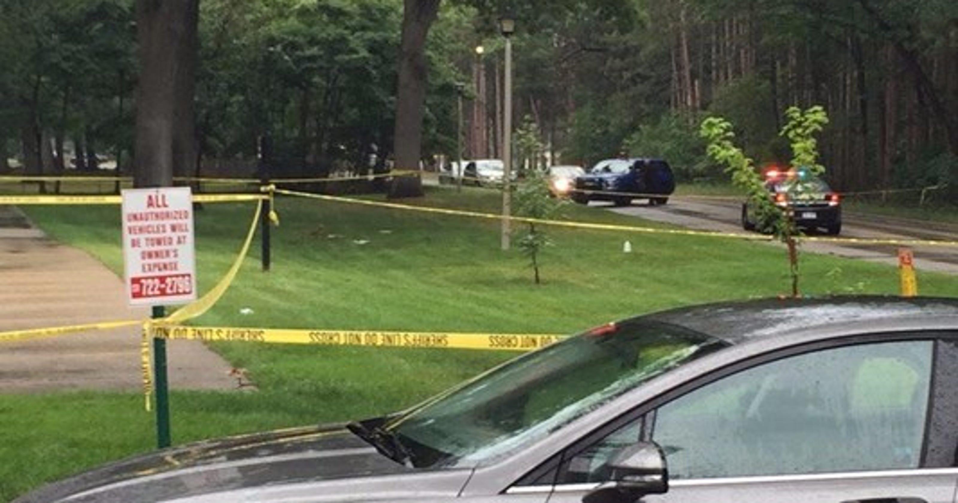 Muskegon Officer shoots knife-wielding girl in leg
