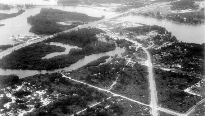Aerial photo of Jupiter with new US-1 and Bridge. Photo shot in the 1940s or 1950s.