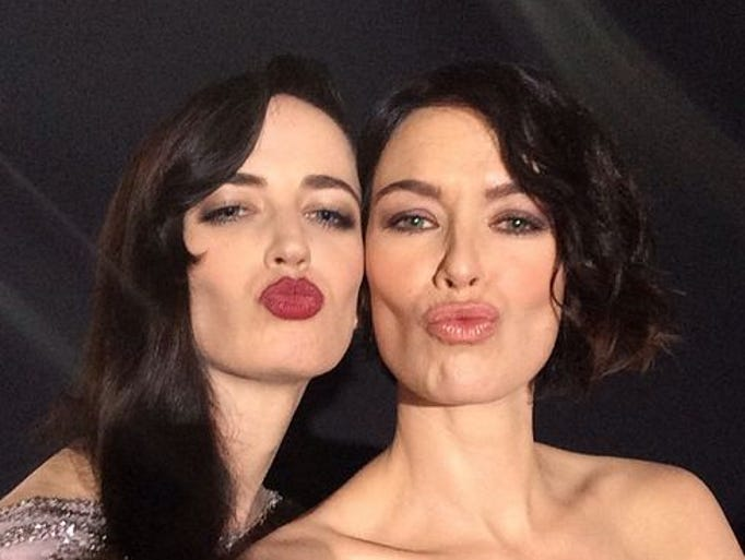 Headey poses with her '300: Rise of an Empire' costar Eva Green