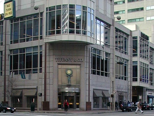 Fountain Place opened in 1997 at 505 Vine Street in the heart of the Fountain Square district. Tenants totaling 206,315 square feet include Macy's, Tiffany & Co., Palomino, and the Booksellers at Fountain Square. Fountain Place is connected to the Carew Tower by Skywalk.