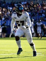 Baltimore Ravens inside linebacker C.J. Mosley runs