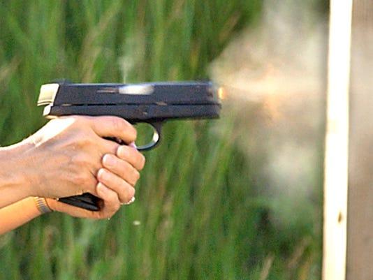 635518441084820009-GUN-shooting