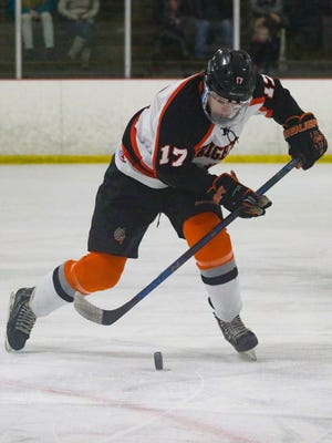 Adam Conquest of Brighton's hockey team has signed with Bowling Green State University.