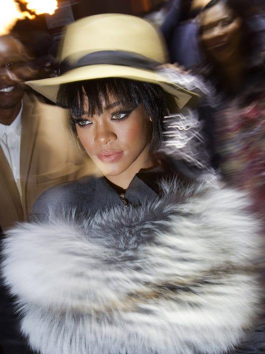 France Dior Rihanna