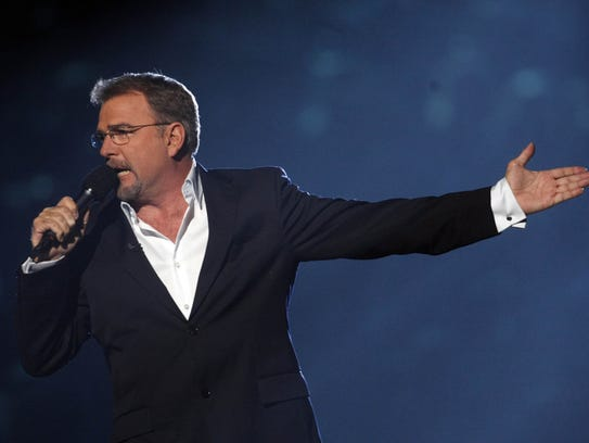 Bill Engvall is shown hosting the 2009 CMT music awards