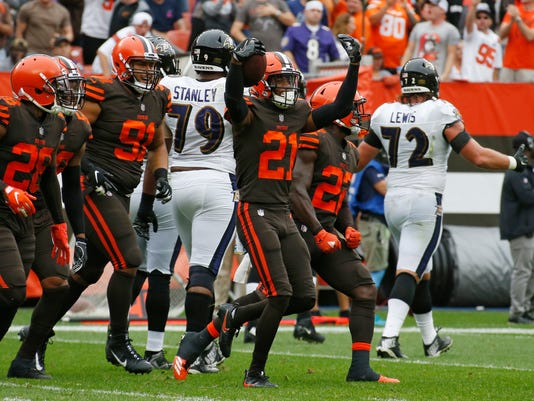 Browns_Burglers_Football_21172.jpg