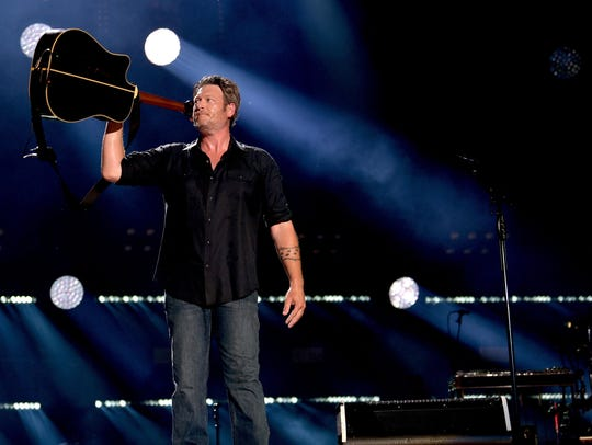 Blake Shelton performs during the 2018 CMA Music festival
