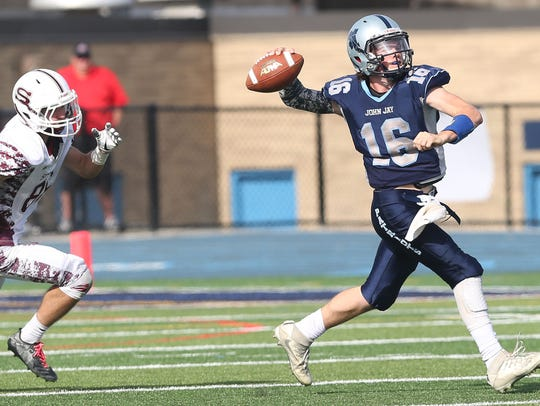 John Jay (EF) defeated Scarsdale 28-0 in playoff football