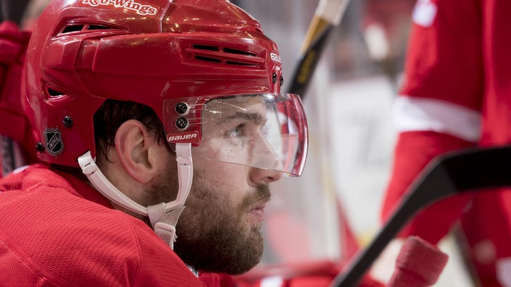 Wings send Sheahan to Penguins, get salary-cap relief