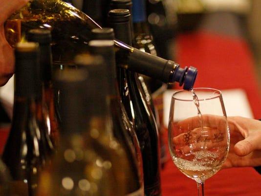 -SAL1126-Wine Tasting3433.jpg_20121125.jpg