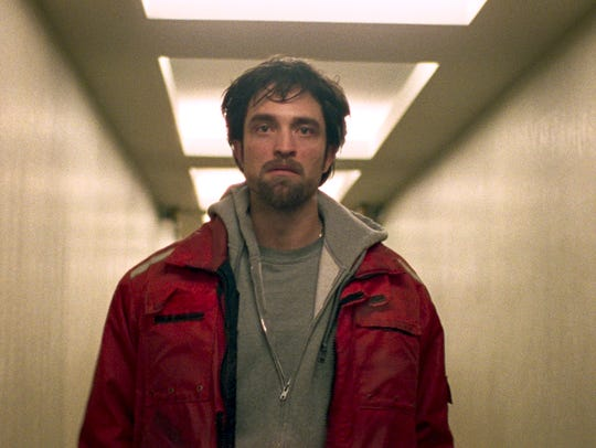 Connie Nikas (Robert Pattinson) is a man on the wrong