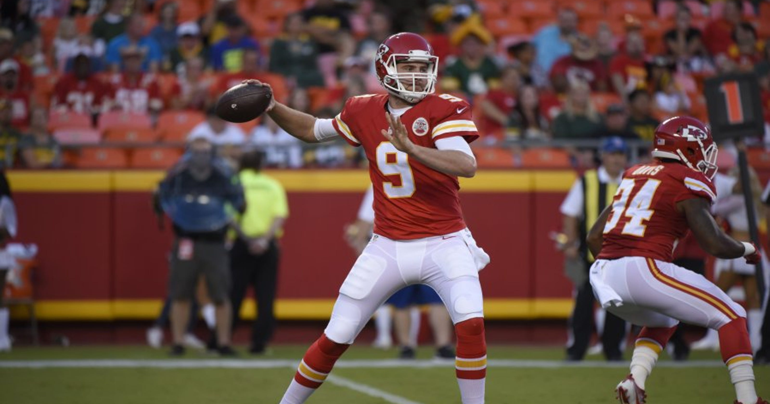 promo code eb752 ace0c Chiefs cut two quarterbacks to keep Tyler Bray