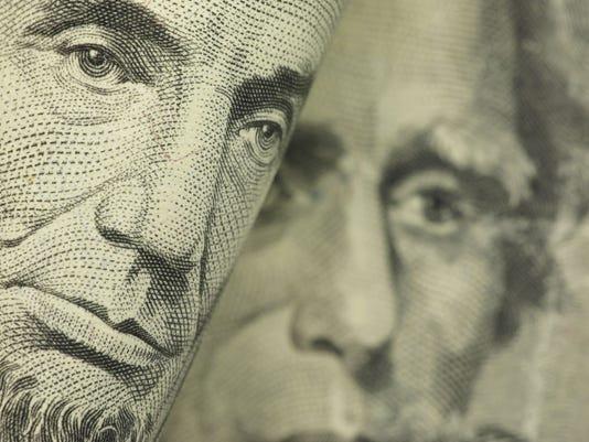 -money_closeup.jpg_20140408.jpg