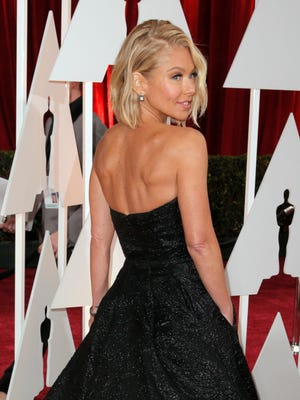 Kelly Ripa arrives at the 2015 Oscar Awards at the Dolby Theatre in Los Angeles. The South Jersey native will soon get her own award for her efforts on behalf of the LGBT community.