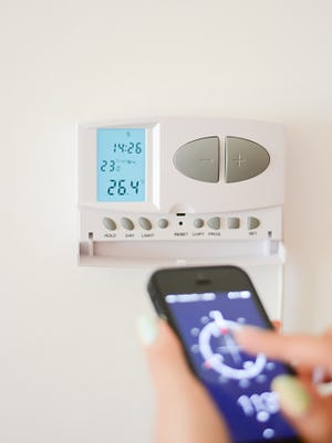Now you can adjust temperature in home interior with smartphone.