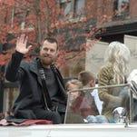 Christmas parade brings Santa, MVP Ben Zobrist down Main Street