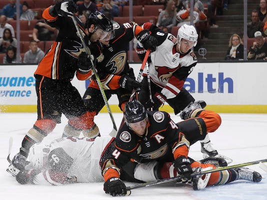 Coyotes_Ducks_Hockey_34790.jpg