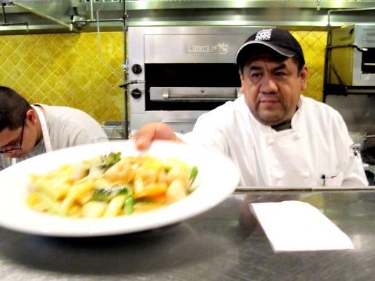 NDN-1127-INTHEKNOW-chef-1.JPG