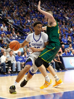 Nov 12, 2017; Lexington, KY, USA; Kentucky Wildcats forward PJ Washington (25) dribbles the ball against Vermont Catamounts forward Drew Urquhart (25) in the second half at Rupp Arena. Kentucky defeated Vermont 73-69. Mandatory Credit: Mark Zerof-USA TODAY Sports