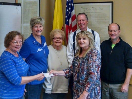 Altrusa donates $2K to literacy