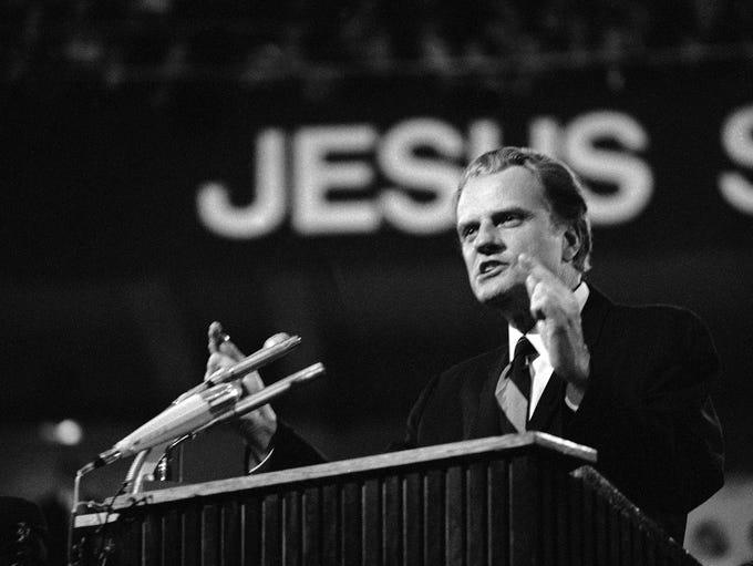 Billy Graham during his sermon in Dortmundis Westfalen-Halle,