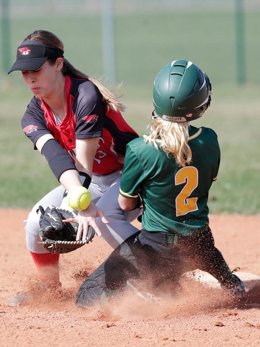636609741919765159-GPG-Softball-050318-ABW097.jpg