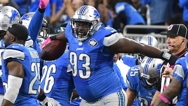 Three of four Detroit News staff writers pick the Lions over the Rams.