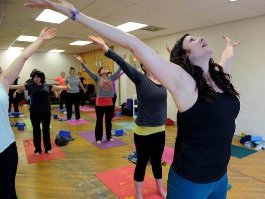 cos 0408 crowtown yoga 001.JPG