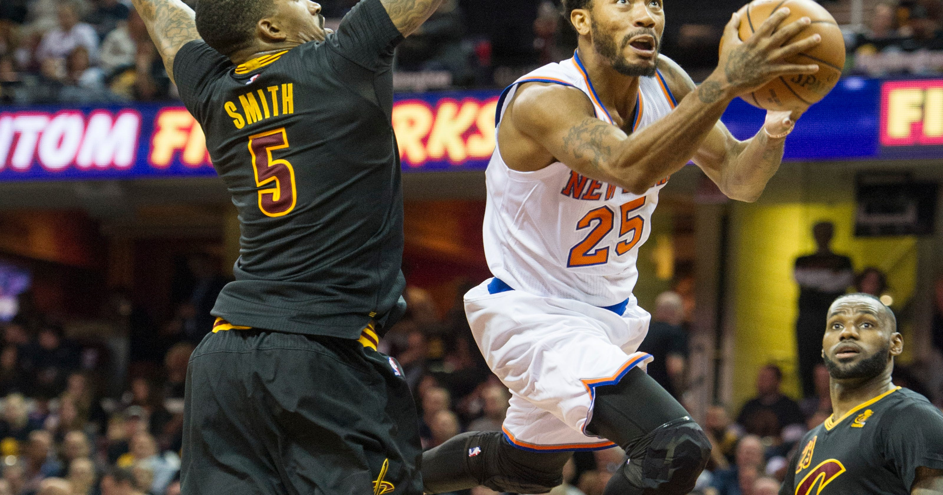 5e19b66c64b1 Rose ceremony  Cavs sign Derrick Rose to 1-year contract