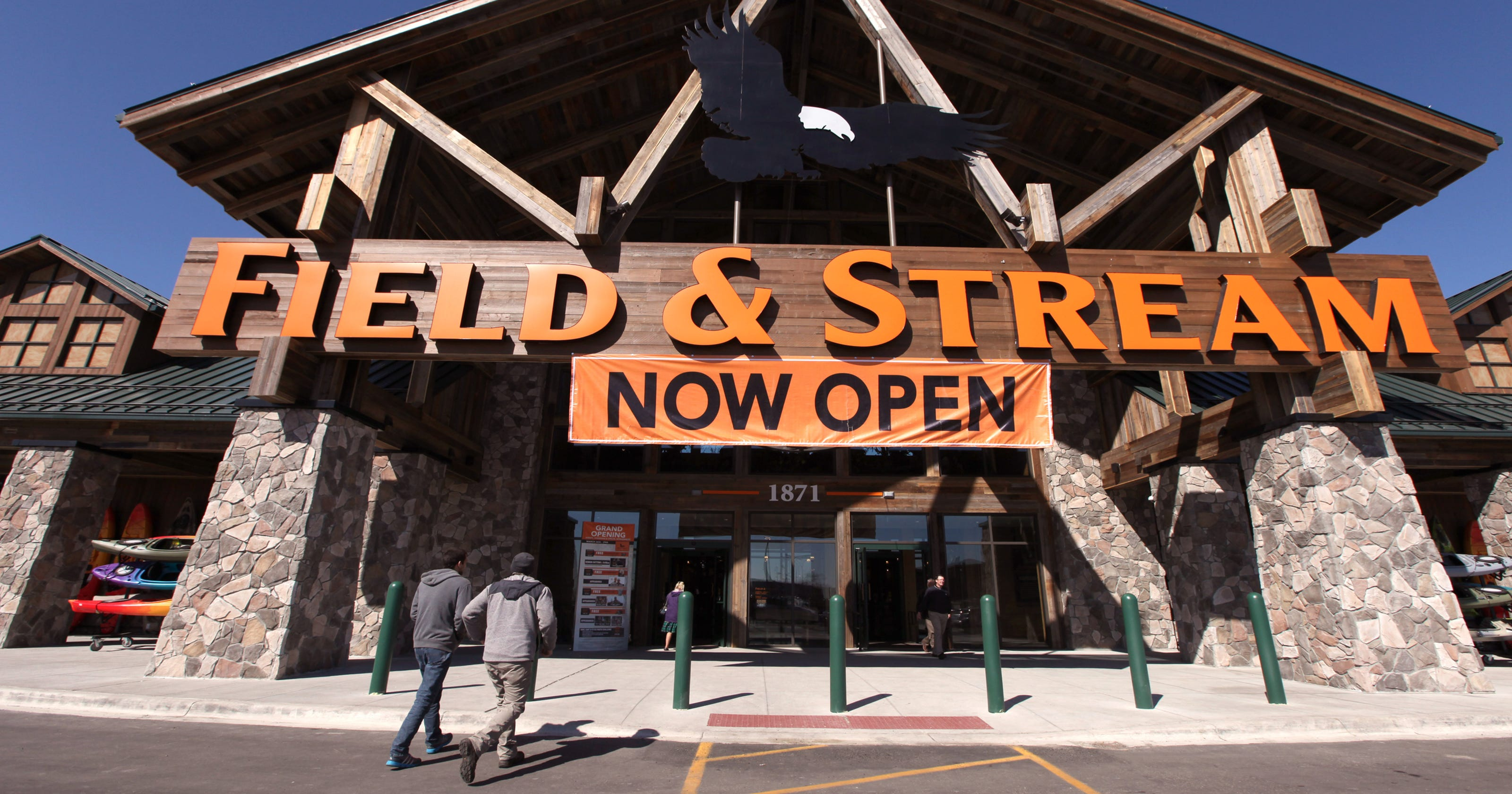 in hunt for outdoor enthusiasts field stream opens store in troy
