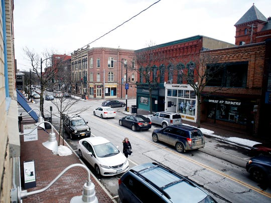 People brave chilly weather to visit downtown Corning