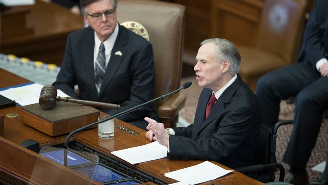 Gov. Abbott delivers the State of the State address at the Capitol on Jan. 31, 2017.