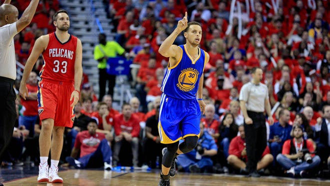 Golden State Warriors guard Stephen Curry (30) reacts against the New Orleans Pelicans