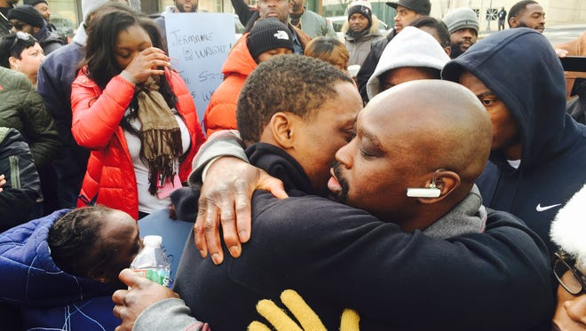 Jermaine Wright, the death row inmate who has been free for the last year, says goodbye to friends and family before turning himself in to police Friday morning.