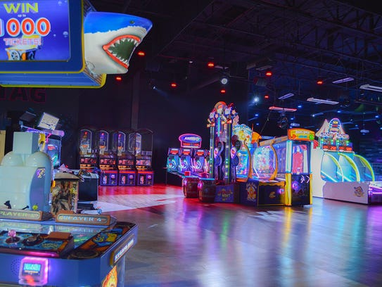 Arcade games at Jake's Unlimited in Mesa.