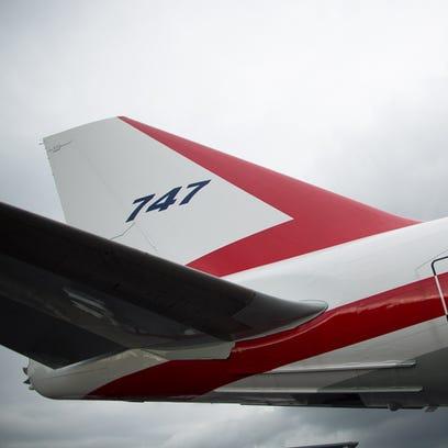 Boeing unveils Seattle Seahawks 747