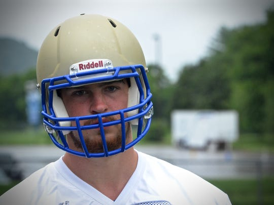 Brentwood offensive tackle Cole Mabry