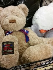 """Megan Leahy took stuffed """"pals"""" to Amy Beverland Elementary to comfort students after their principal died in an accident."""