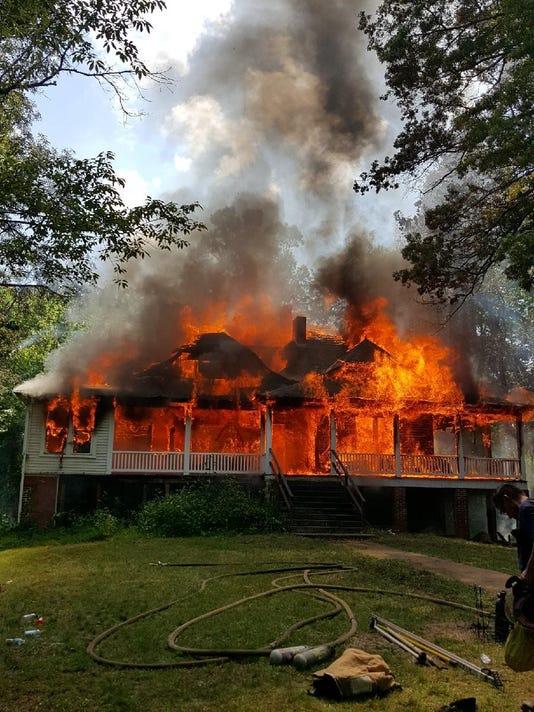 636328574756150561-full-blaze.jpg